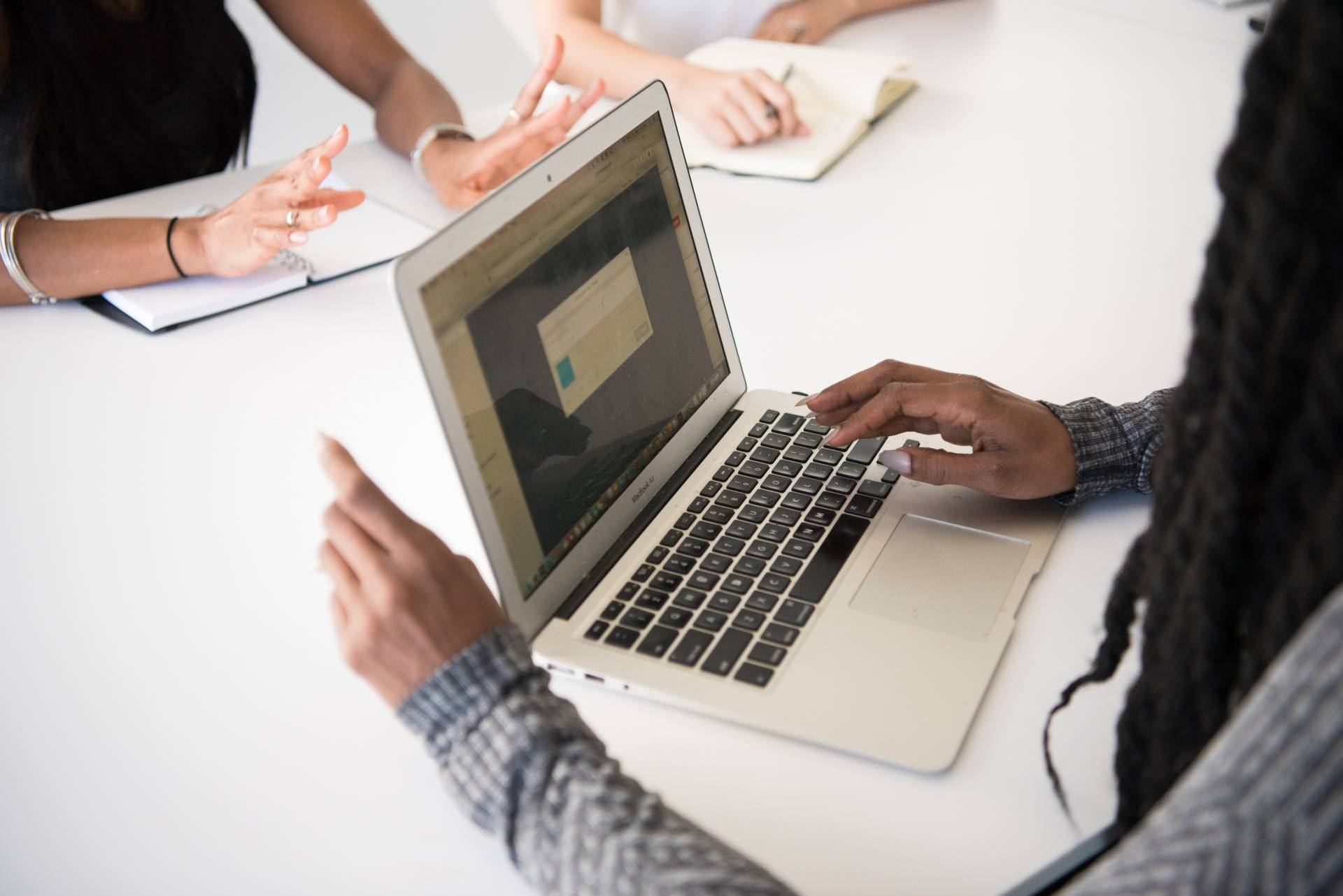 6 Tips on How to Effectively Manage Your Remote Team
